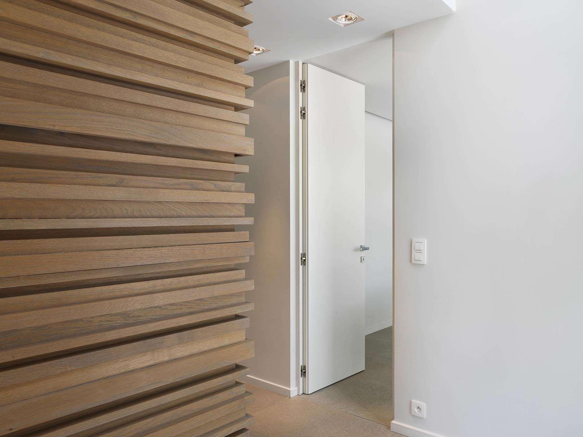 plafondhoge-binnendeur-wit-gelakt
