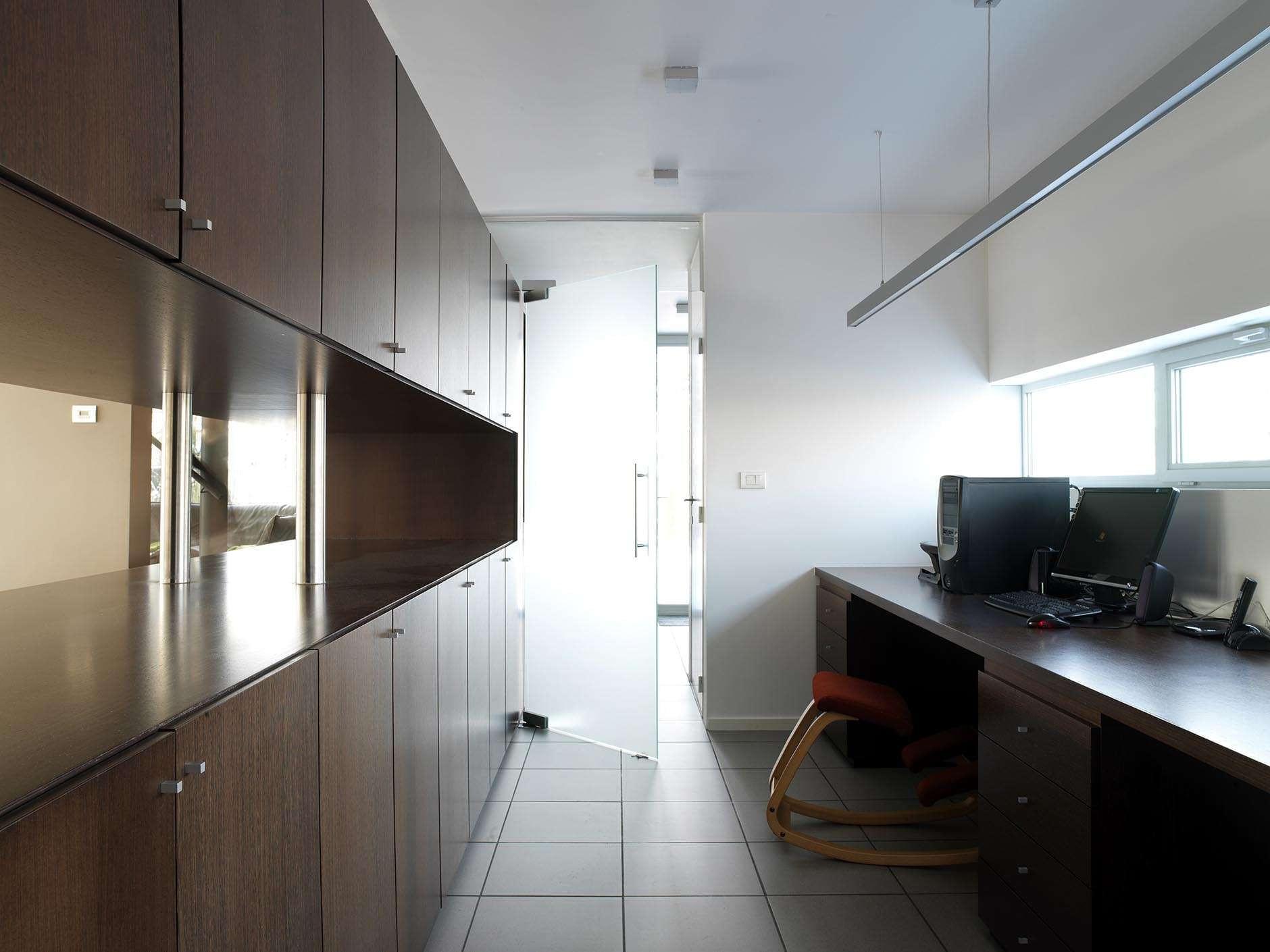 bureau-kastenwand-glazen-deur