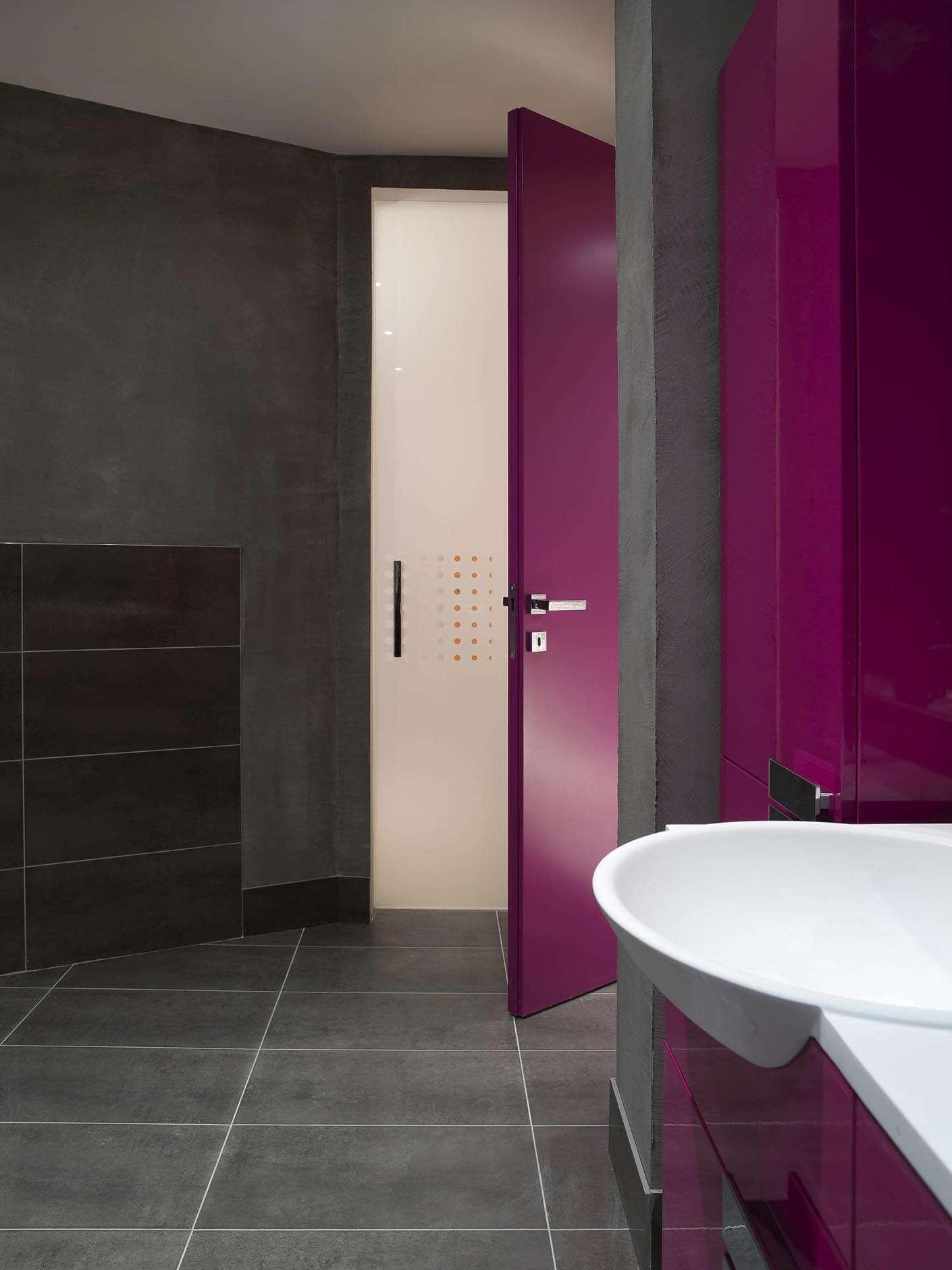 kleurrijke-deur-roze-glazen-binnendeur