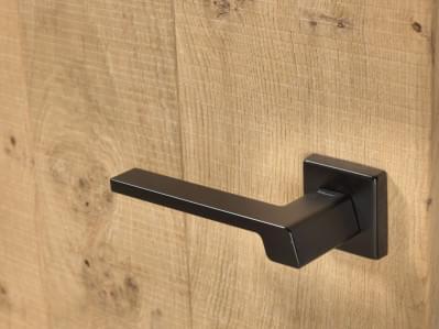 zwarte-deurklink-modern