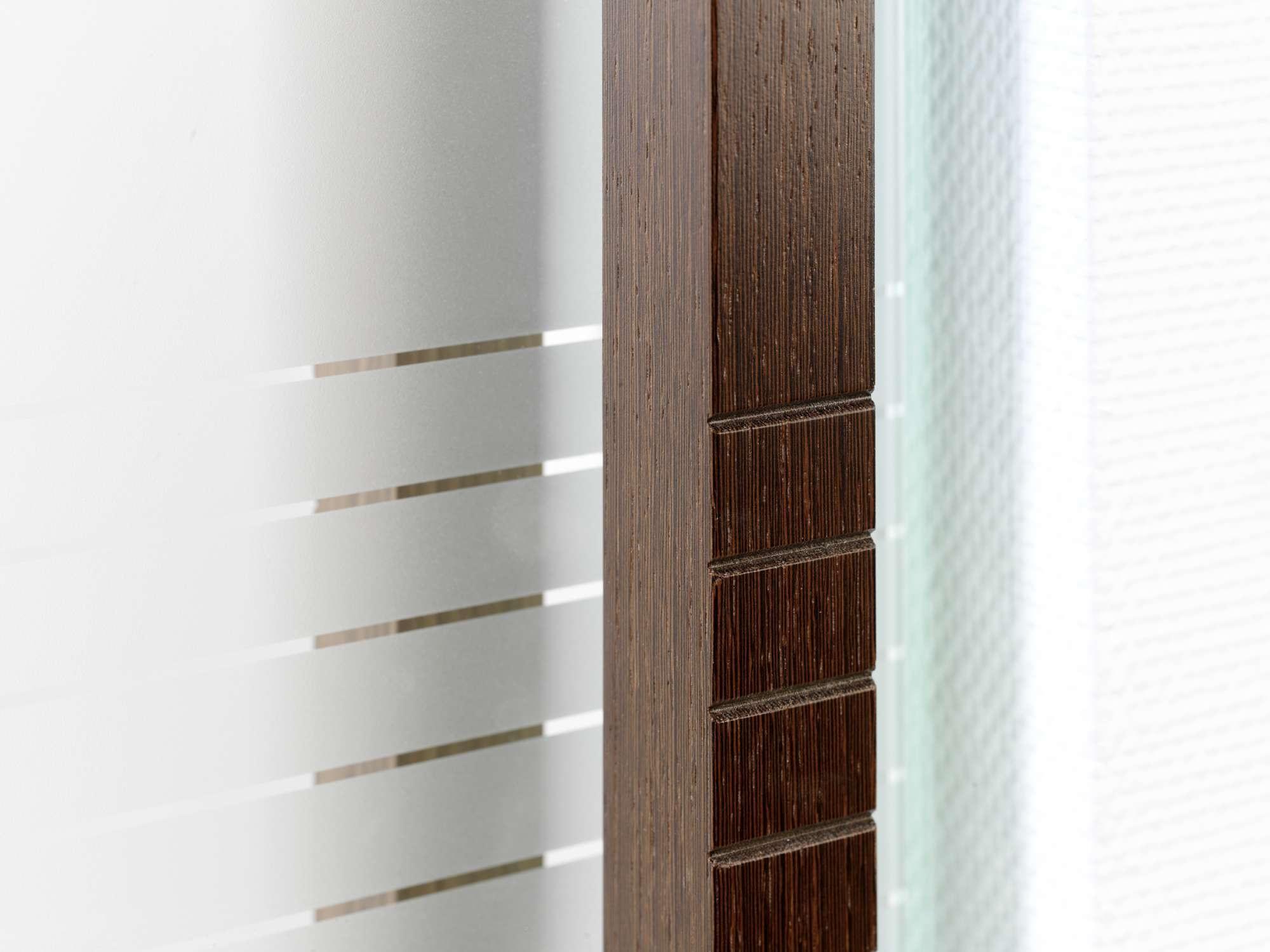 glazen-deur-houten-trekker