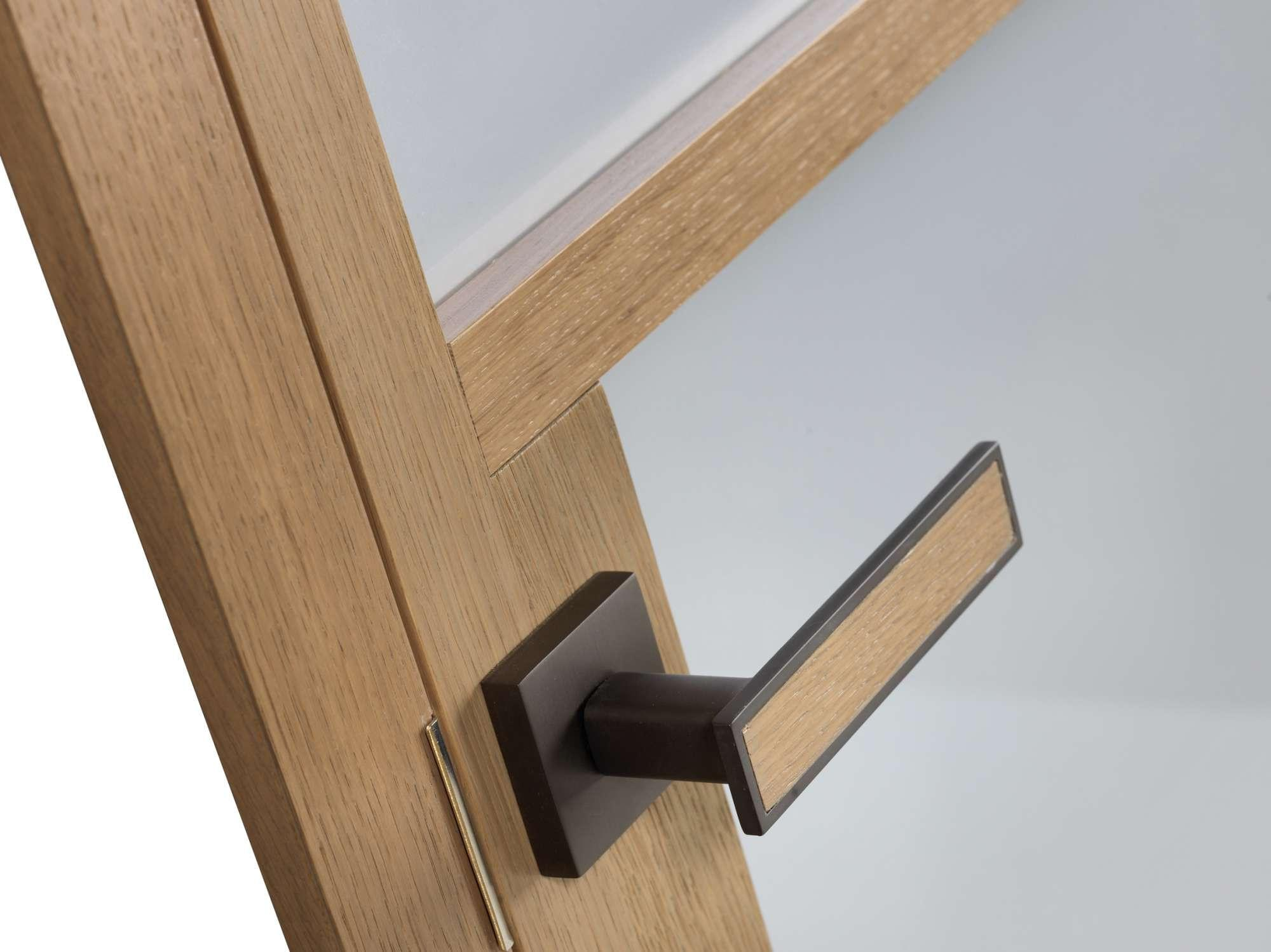 houten-deurkruk-eik-modern