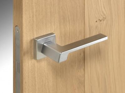 houten-binnendeur-klink-modern