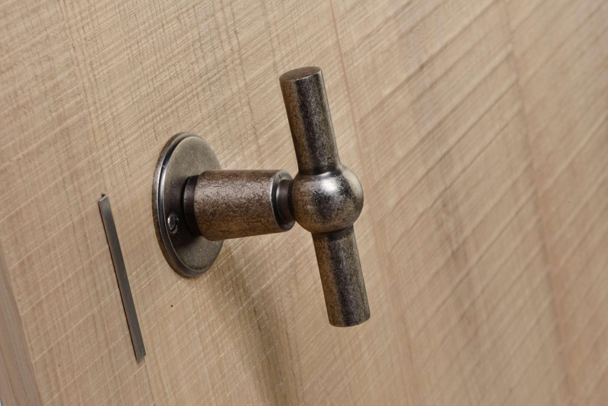 houten-deur-klink-landelijk