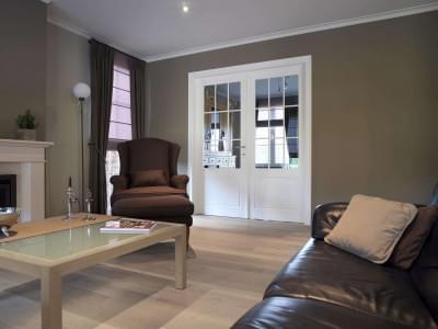 woonkamer-dubbele-deur-wit-gelakt-glas