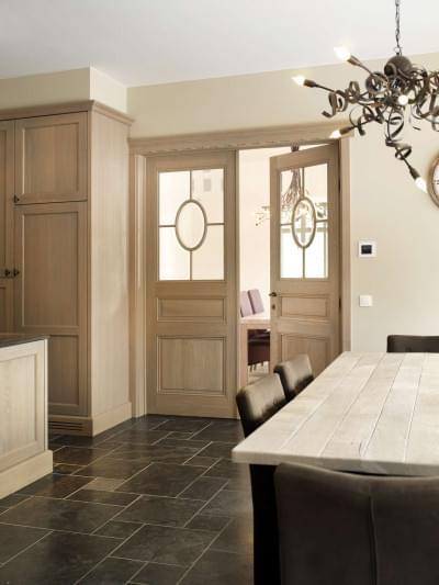 keuken-houten-dubbele-deur-glas
