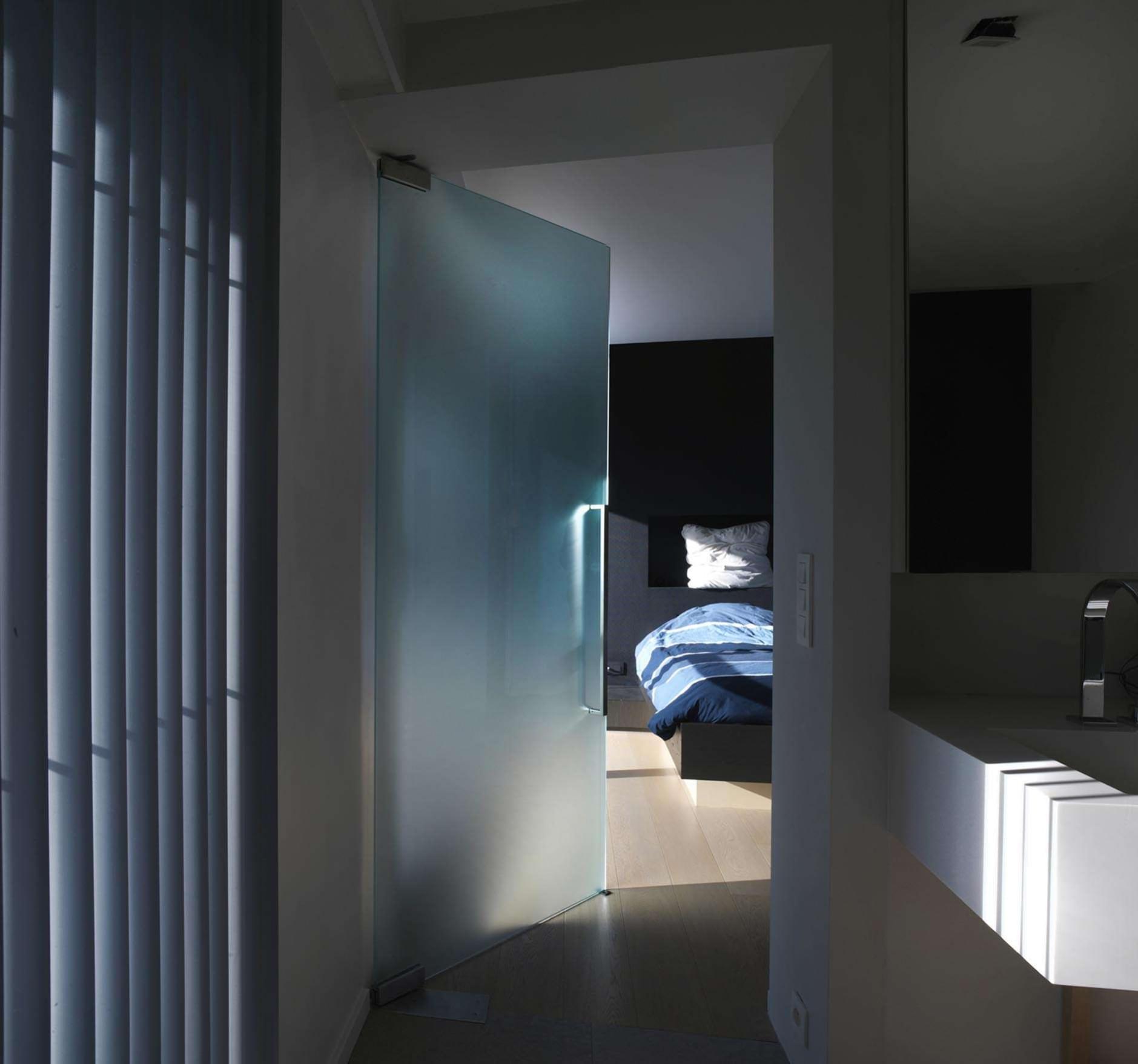 matte-glazen-deur-slaapkamer