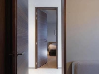 hoge-binnendeuren-notelaar-hout