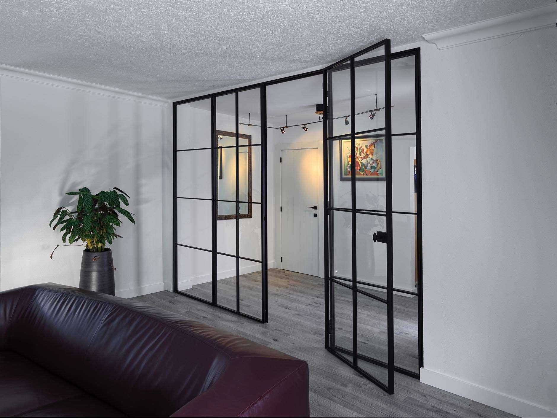 glazen-wand-dubbele-deur-plafondhoog
