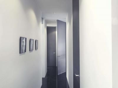 hoge-deuren-gang-modern