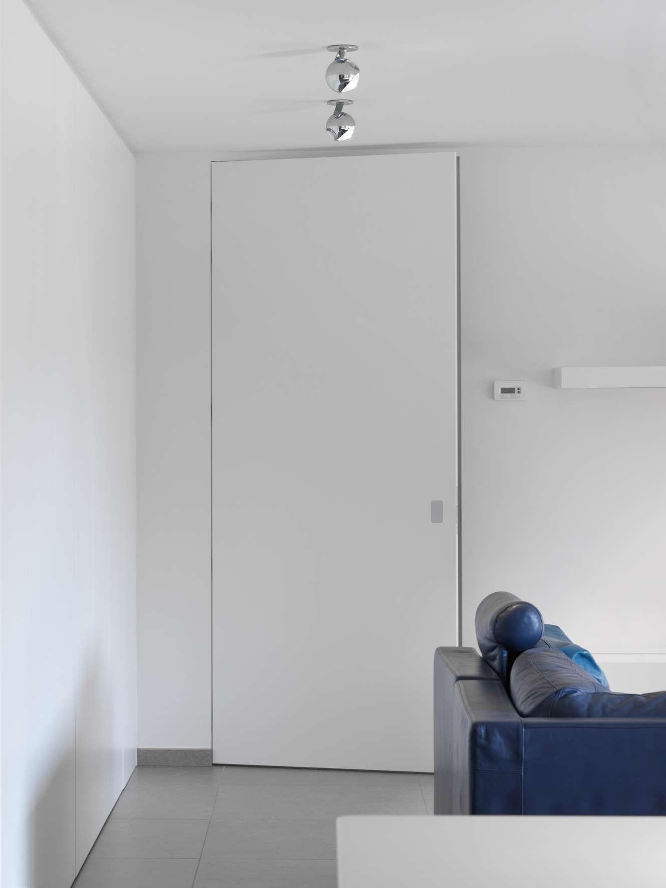 hoge-deur-strak-interieur