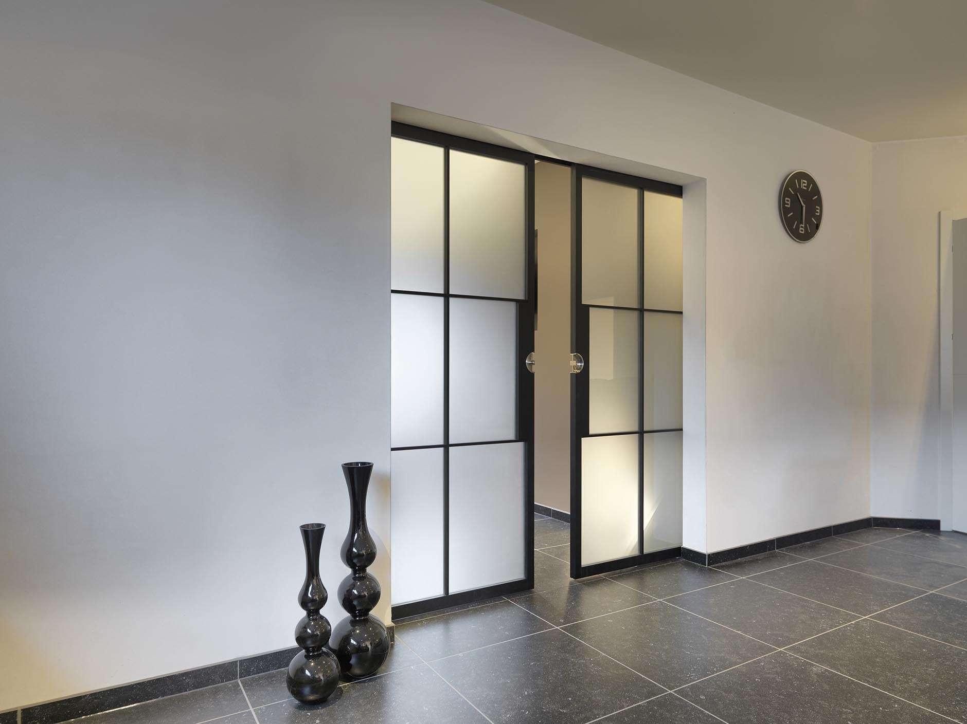 dubbele-deur-steellook-mat-glas