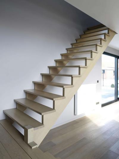 houten-trap-hedendaags-interieur