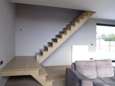 moderne-woning-houten-trap