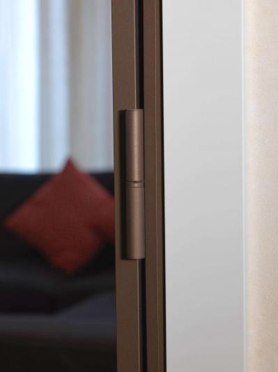 aluminium-binnendeur-brons-glas