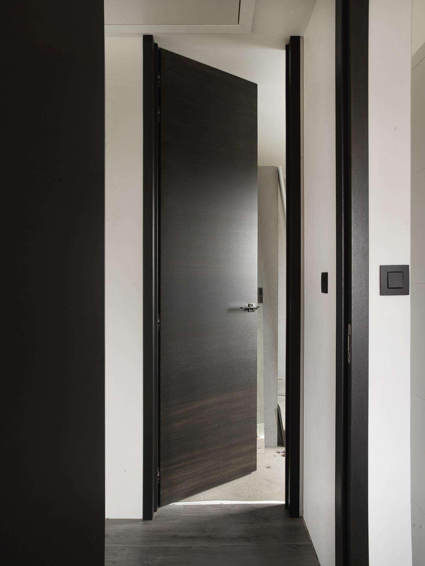 hoge-deuren-plafondhoog-hout