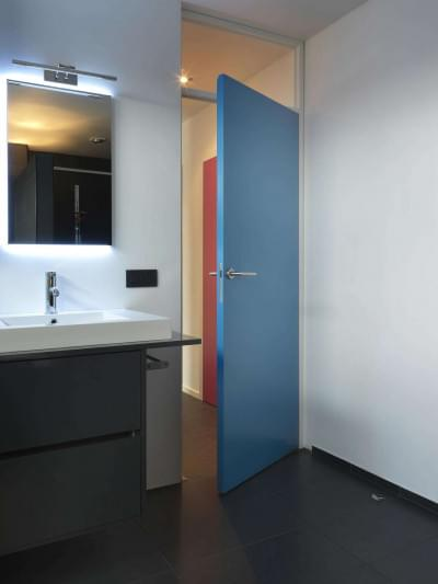 badkamerdeur-strak-kleurrijk