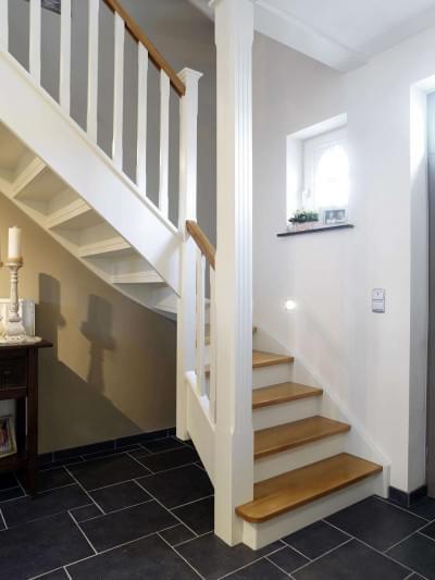 trap-landelijk-hout-wit-gelakt