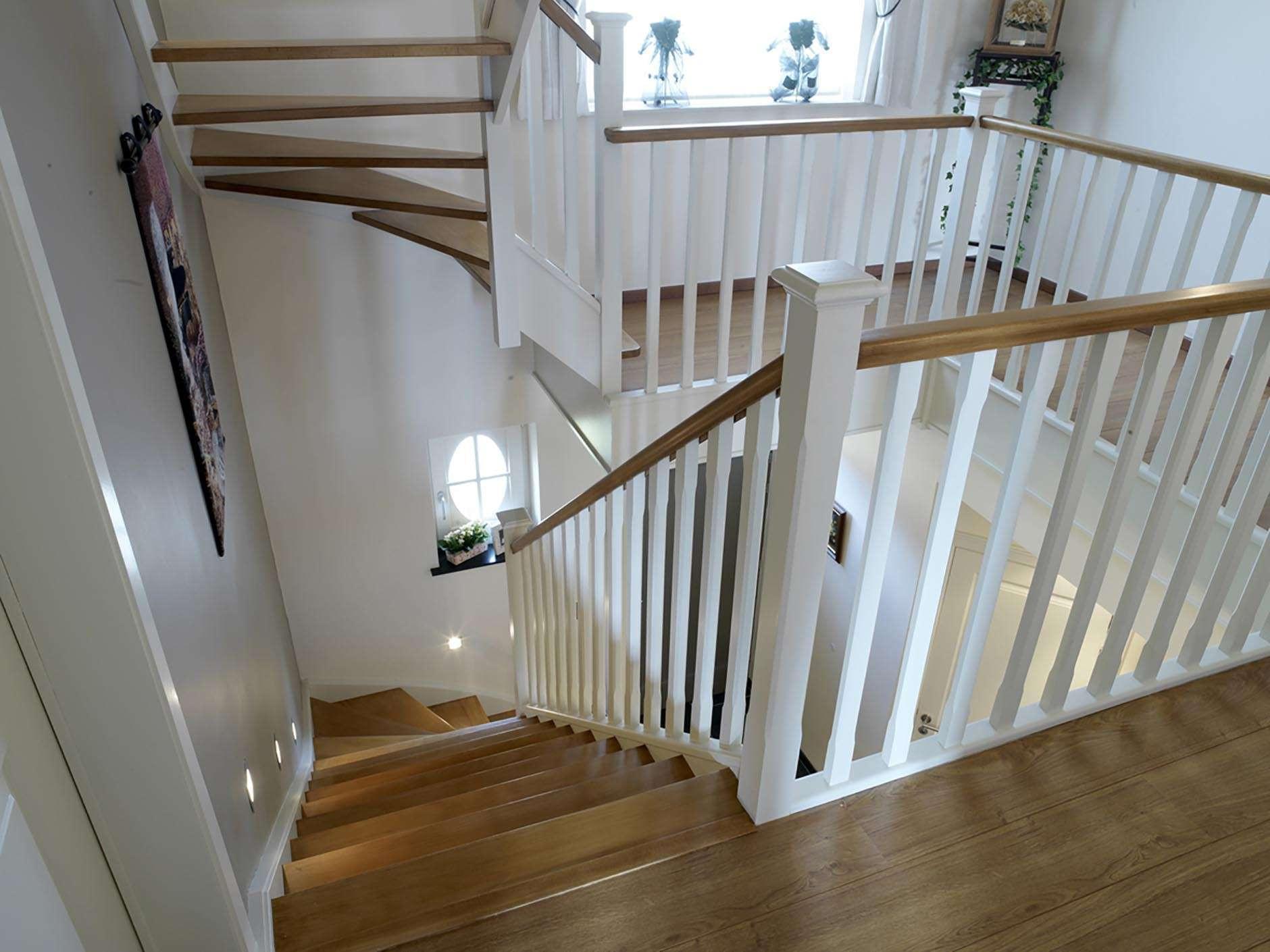 trap-landelijke-woning