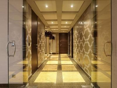 gang-glazen-deur-houten-deuren