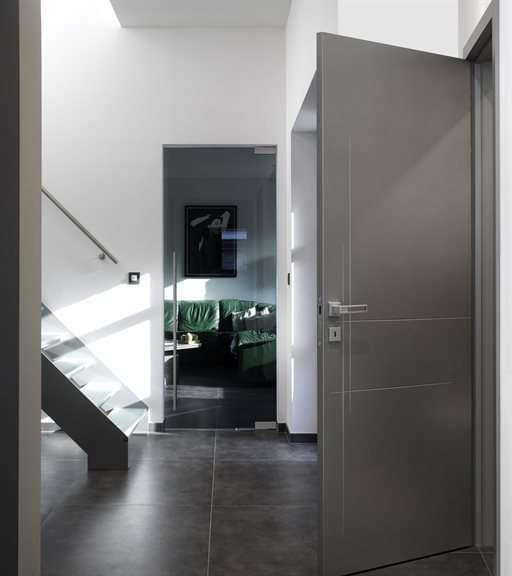 modern-interieur-gelakte-binnendeur-glazen-deur