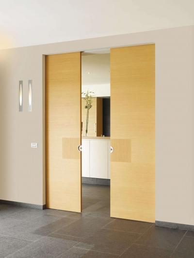 dubbele-houten-schuifdeur-eik-modern-interieur